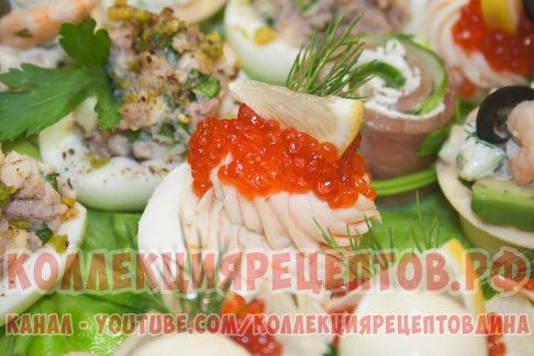 яйцо фаршированное красной рыбой и красной икрой